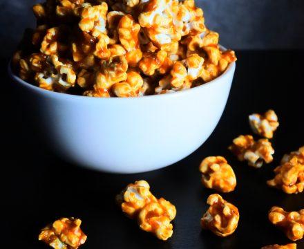 Easy Addictive Caramel Popcorn (No-bake, No corn syrup)