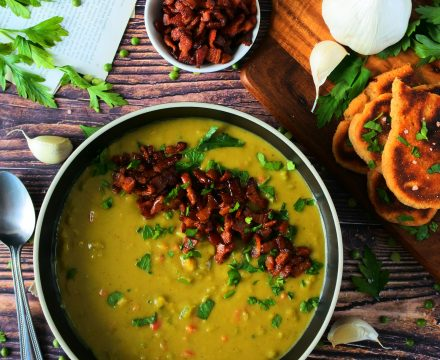 Simple and Wholesome Green (Split) Pea Soup with Bacon!