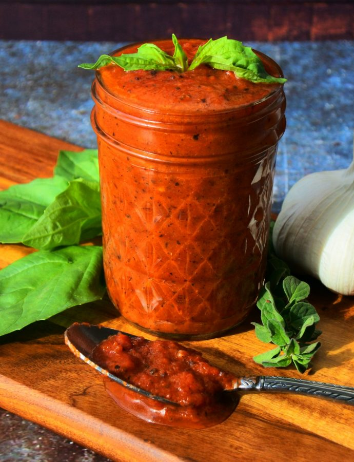 The Best 5-minute Pizza Sauce (Insanely easy to make!)